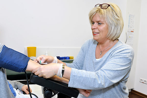 Hausarzt Blutabnahme Gesundheits-Check ab 35. Lebensjahr